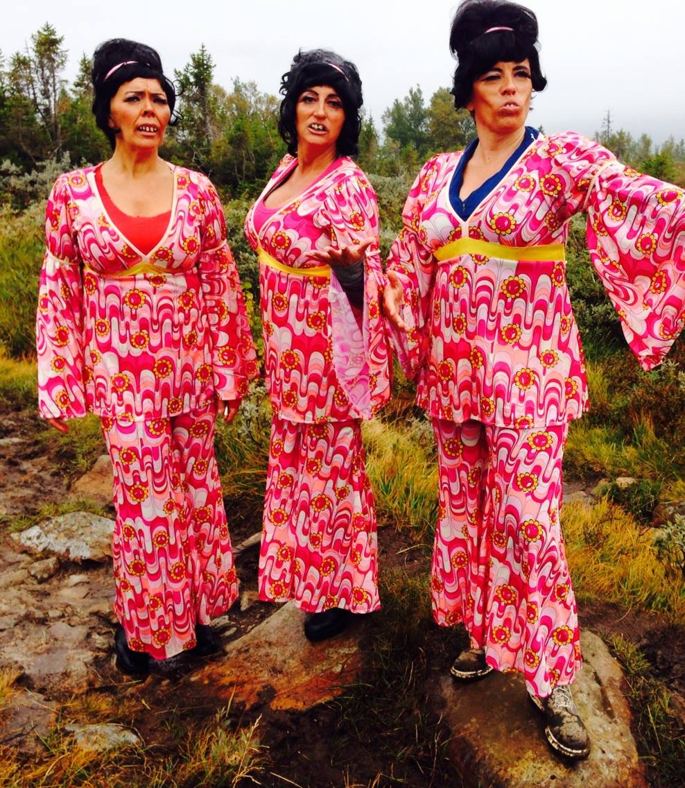 Kjerringsveiven The Supremes 2014. Kathe Angen, Jeanette Martinsen og Randi Mossing.
